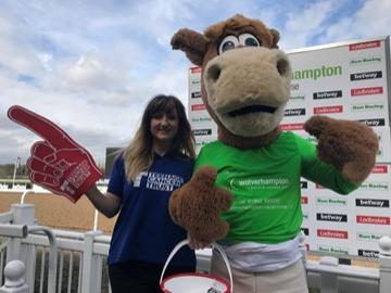 Teenage Cancer Trust joins Wolverhampton Racecourse for a jam-packed day of fun at Easter Family Funday